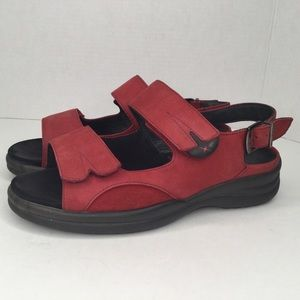 Sensible leather wide sandals.